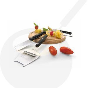 Kaasplank met kaasschaaf en twee messen